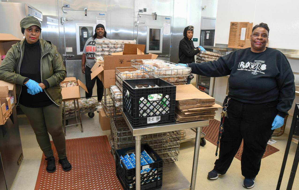 AFSCME Local 257 food service members at Coliseum College Preparatory Academy in Oakland